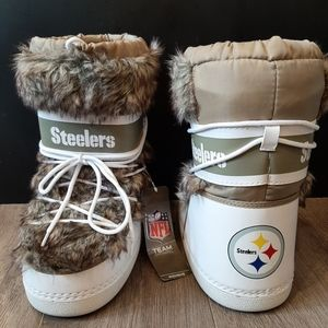 Pittsburgh Steelers NFL fuzzy winter moon boots 6